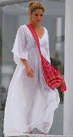 Shakira with Wayuu mochila bag